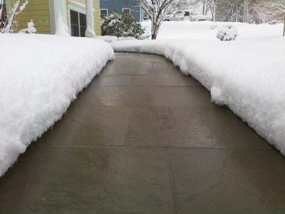 Отличие систем снеготаяния от водяных полов